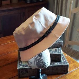 COACH BUCKET HAT - SIZE MED / LRG